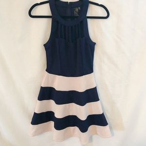 Dresses & Skirts - Juniors navy and peach dress Sz 5